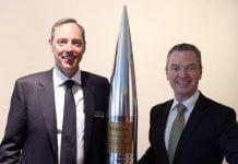 Robert Nioa and Defence Minister Christopher Pyne