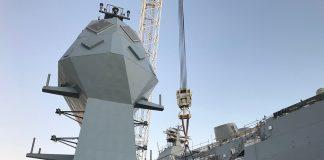 hmas-anzac-mast-installed